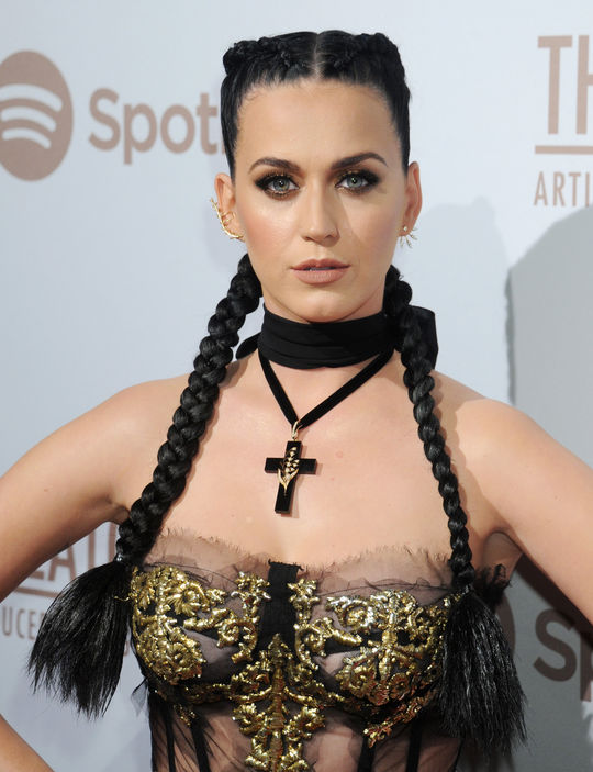 katy-perry-box-braids-w540